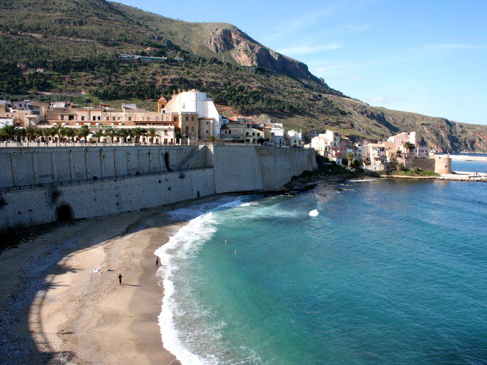 Le mura di Castellammare del Golfo
